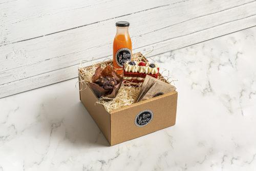 Caja para desayunar/merendar con porción de tarta y muffin, Sangonera Design