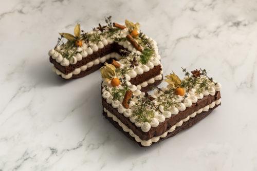Tarta de numeros con decoracion otoñal, Las mejores tartas de valencia, La Petite Brioche
